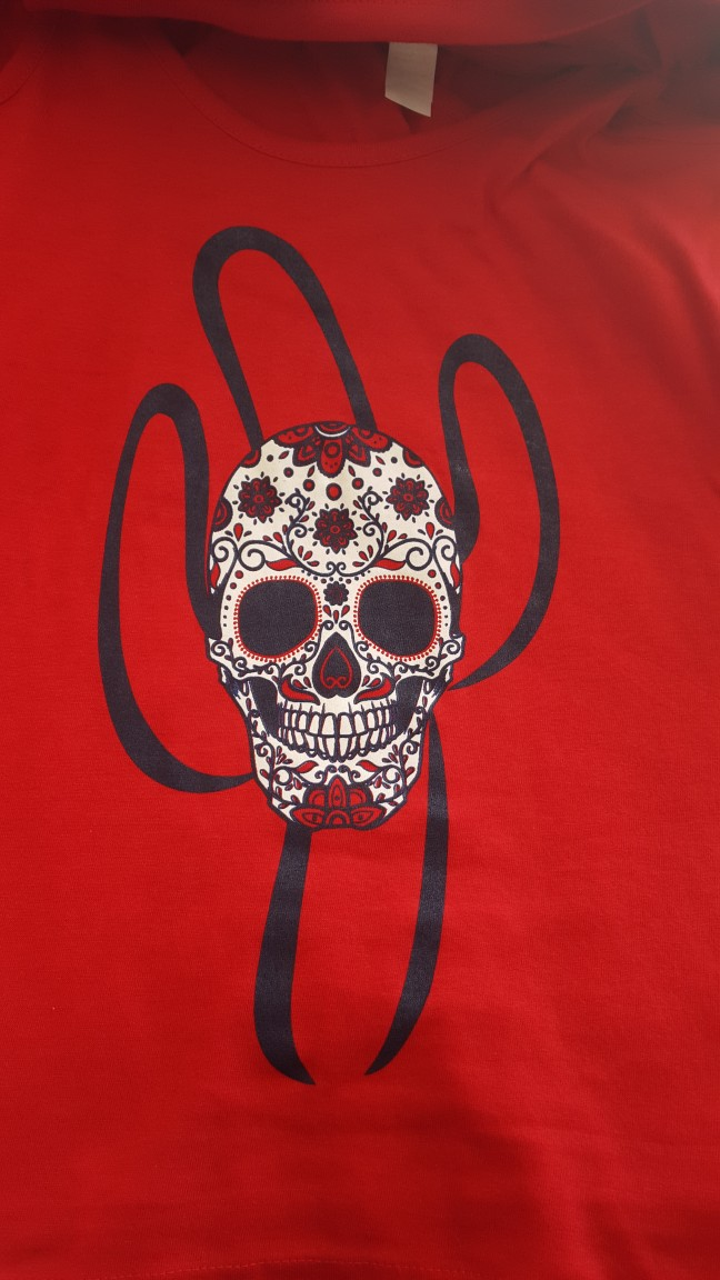 Skull/saguaro on red tee